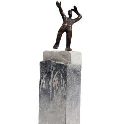 """Bronze """"Gute Aussichten"""" auf massiven Steinsockel von Francis Méan"""