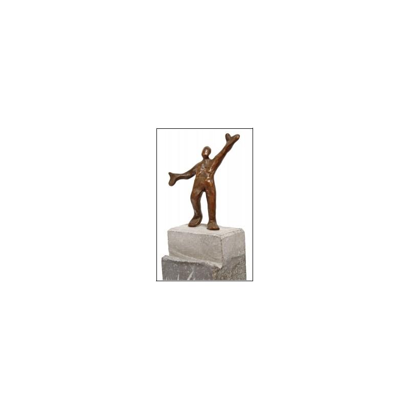 Der Erfolg von Francis Mean - eine Bronzeskulptur auf Steinsockel